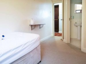 Family room for 5 near alton towers