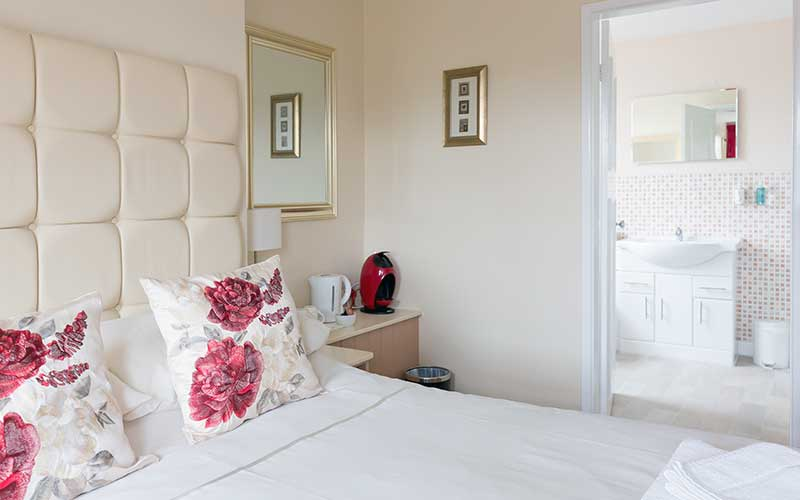 Family room with ensuite near alton Towers