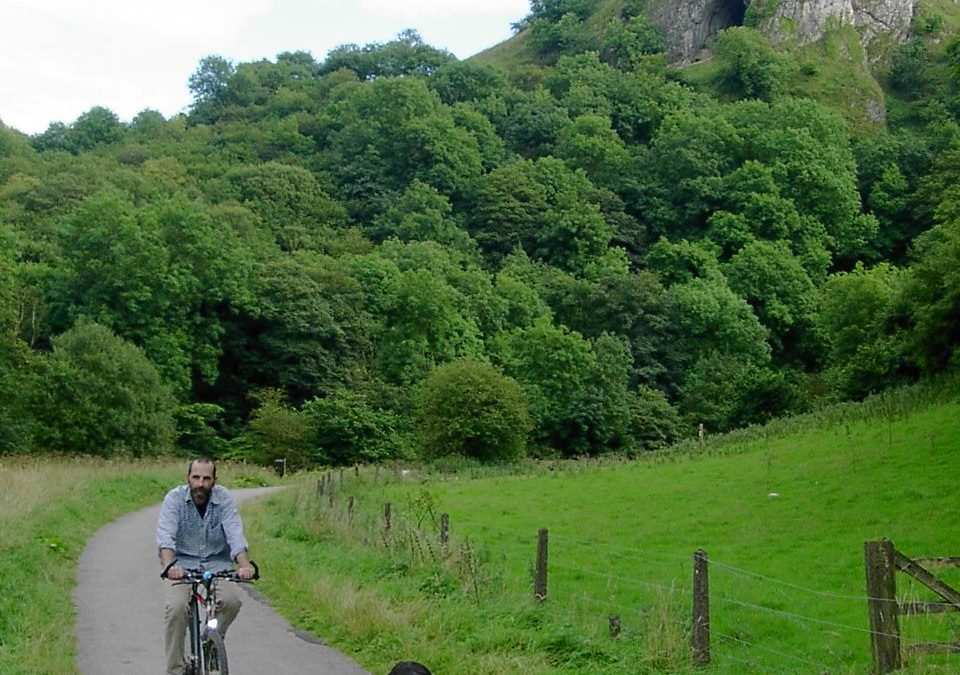 Cycling The Manifold Valley