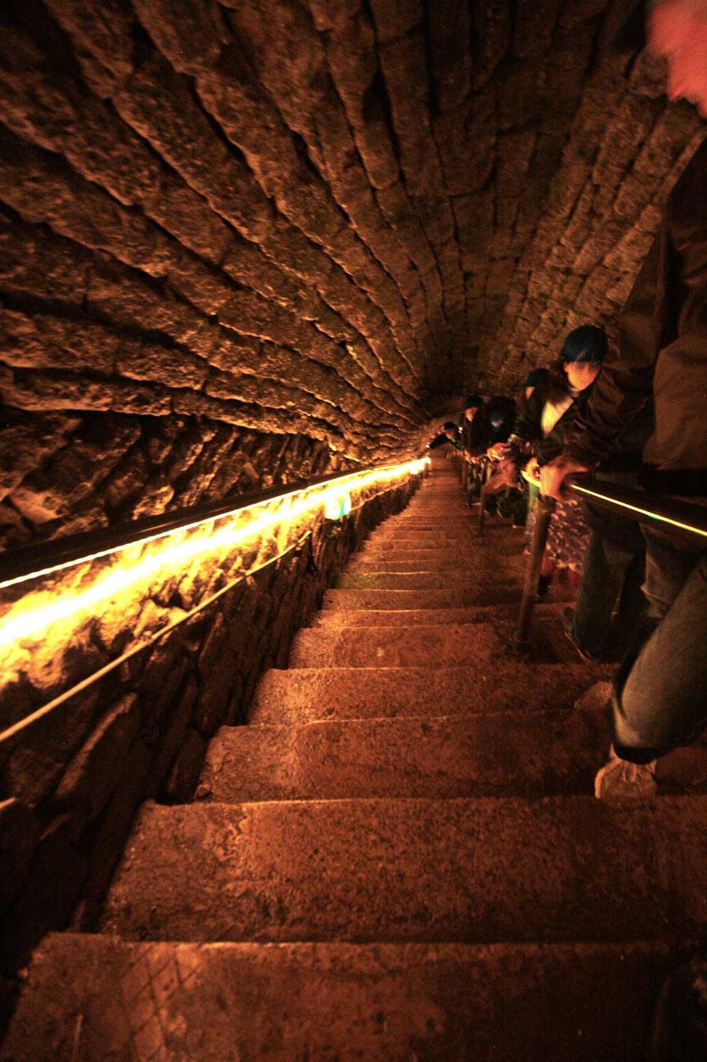 Speedwell Cavern steps